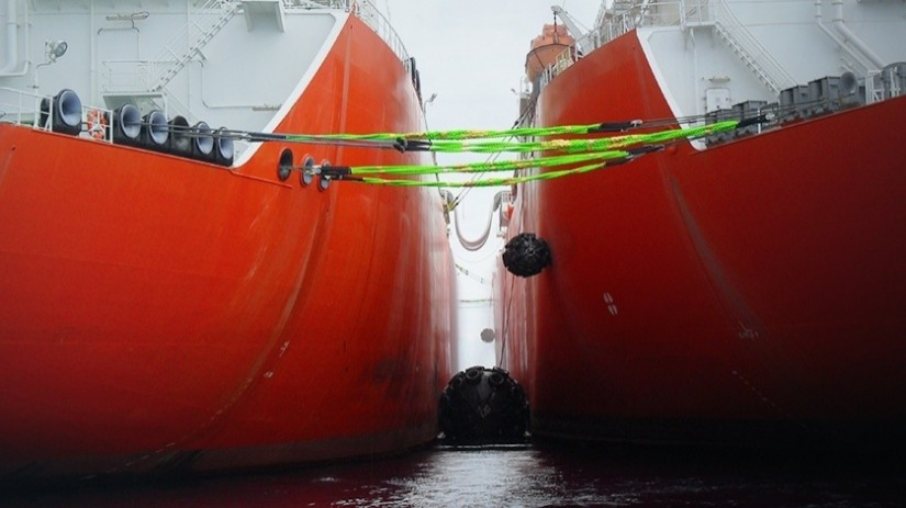 EDT Agency Services - Providing fenders for LNG/C STS Operations OPL Limassol, Cyprus