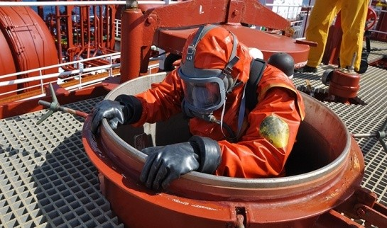EDT Offshore - Confined Space - ENTRY BY PERMIT ONLY